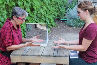 A demonstration of mirror therapy